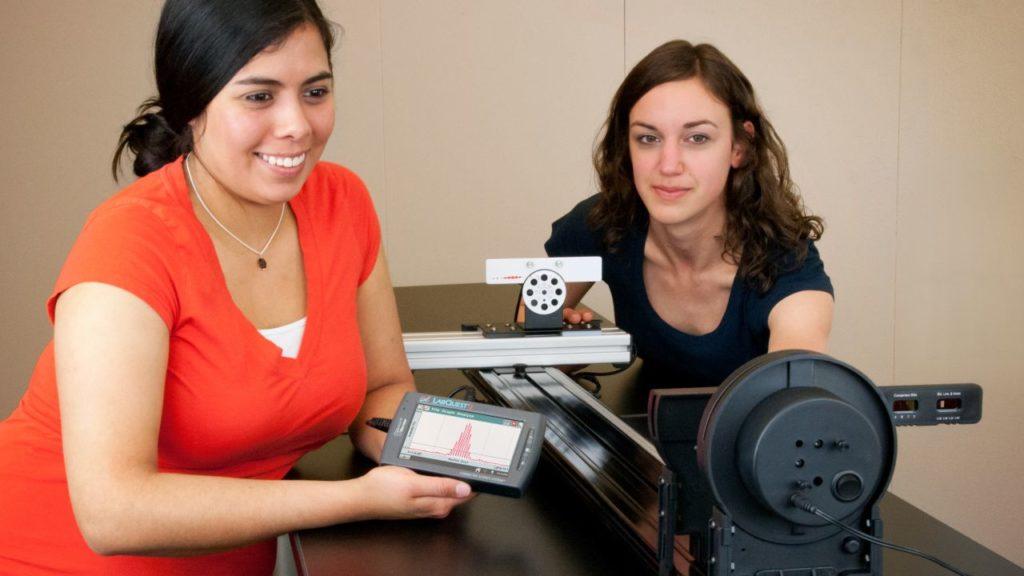STEM освіта з сучасними світловими засобами